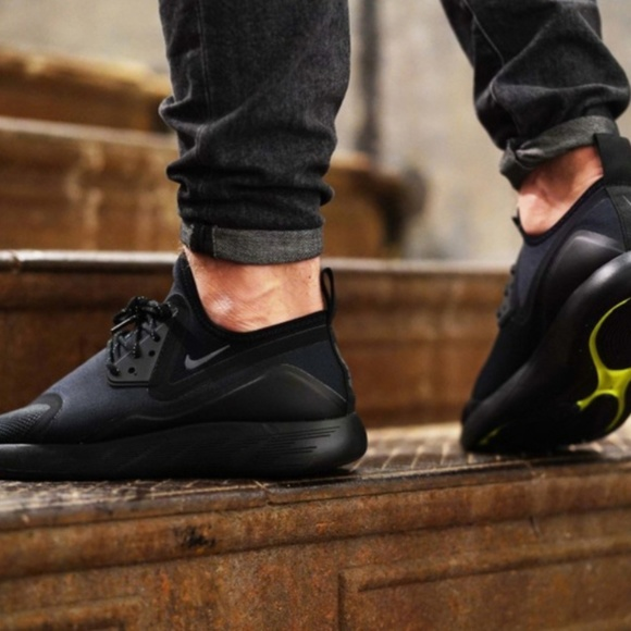 Nike Lunarcharge Essential. M 5ade768fcaab443bade51858 a6ee4fbba